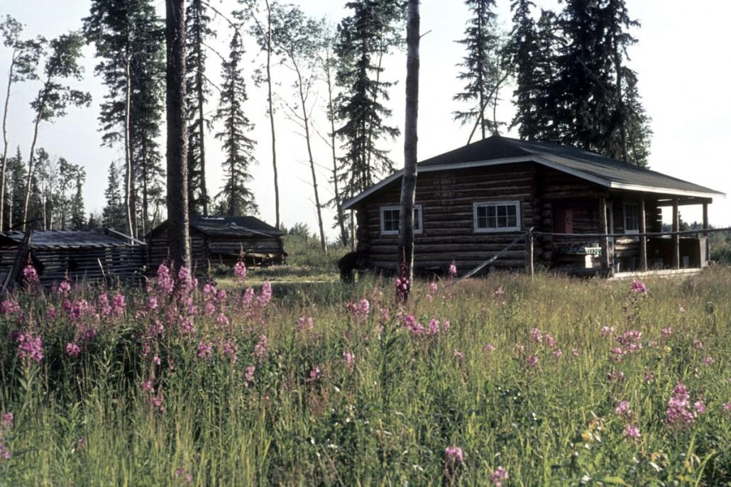 photo-jackson-16-Kakisa_cabin