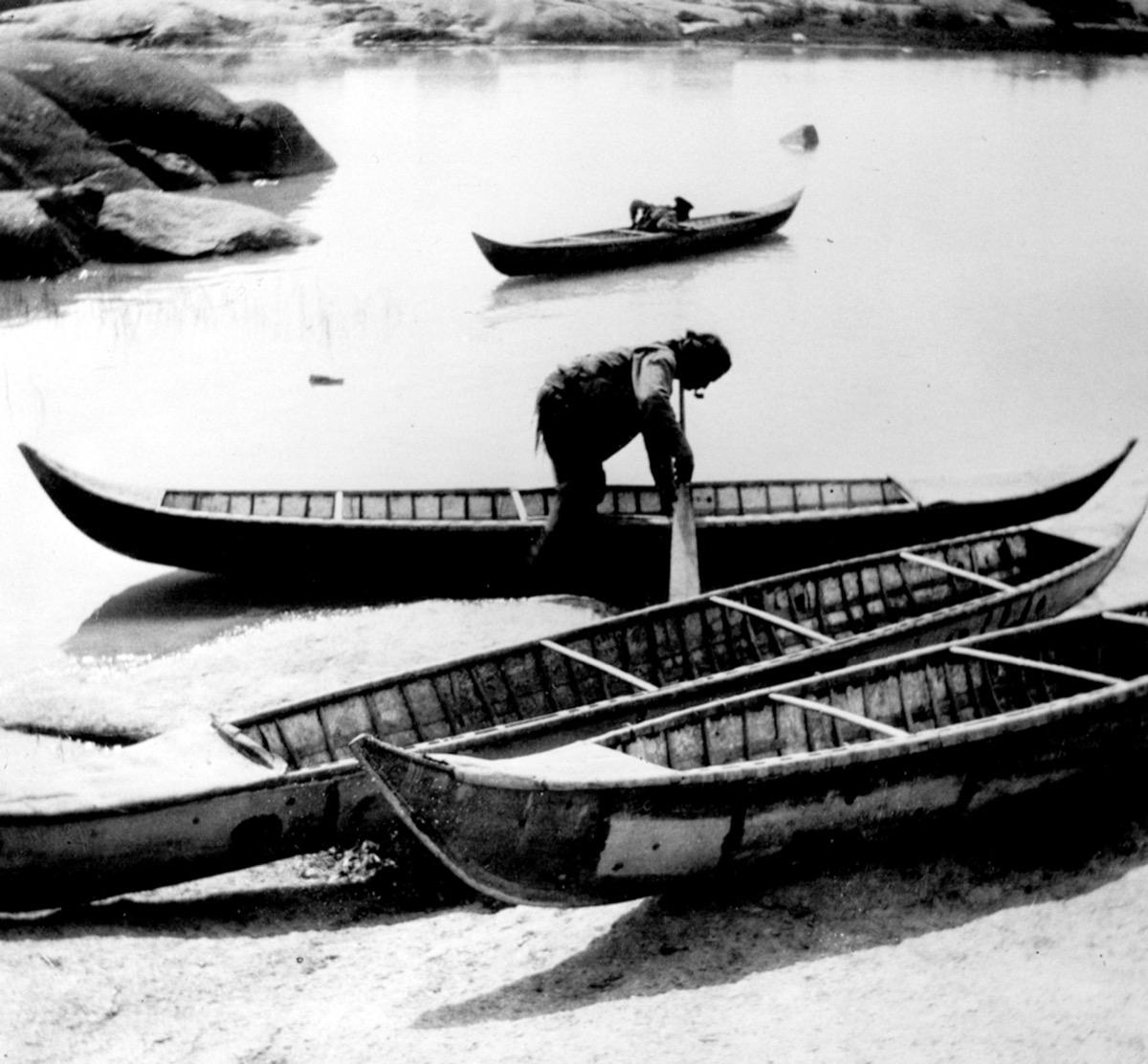 Dogrib Birchbark Canoe Project